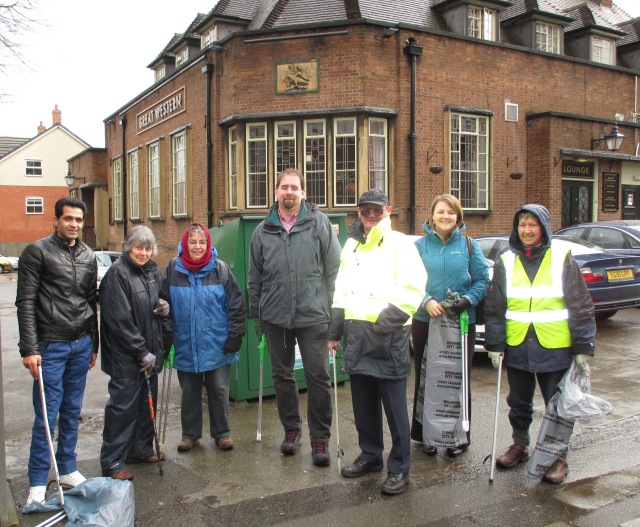 The hardy bunch of volunteers - Thanks for your help guys.