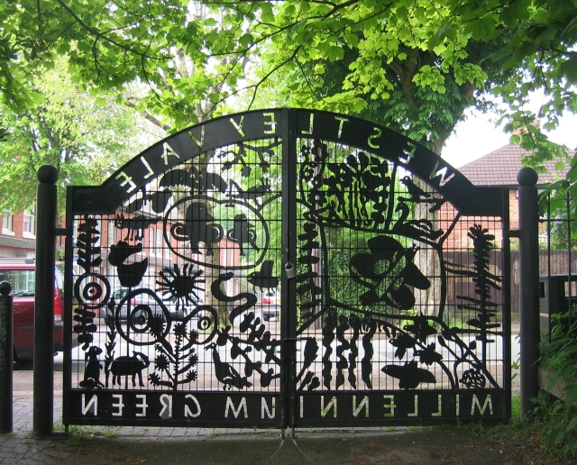 Westley Vale Gates. The Avenue